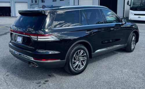 Image of exterior on Lincoln SUV