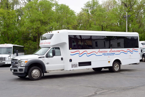 Image of outside of shuttle bus on American Limousines website