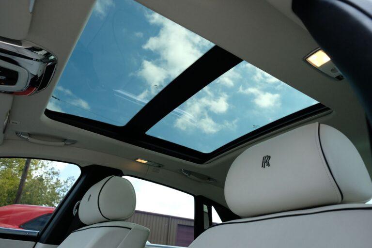 Image of inside of Rolls Royce on American Limousines website
