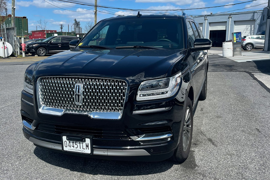 Image of outside of SUV on American Limousines website
