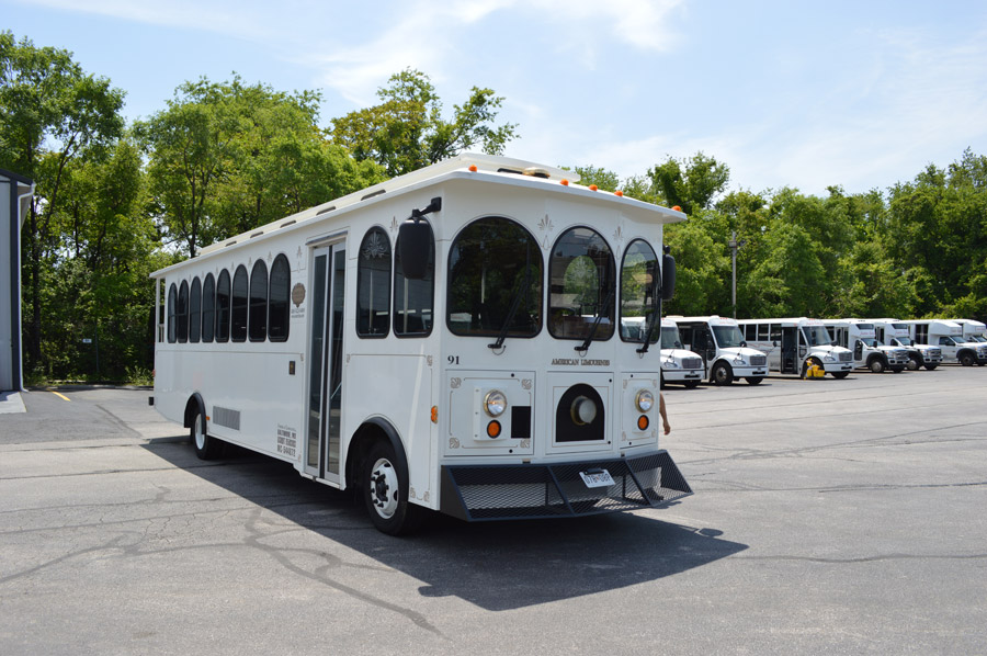 Image of white trolley on American Limousines website