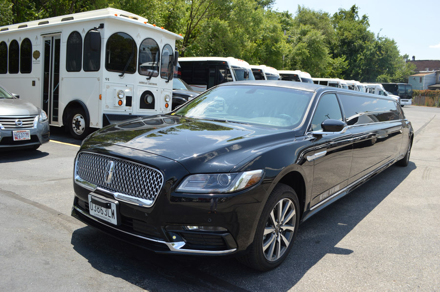 image of limousine on American Limousines website