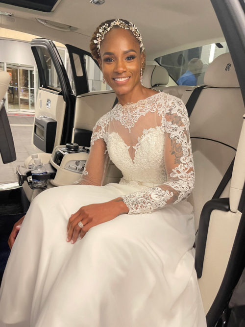 image of bride inside limo on American Limousines website