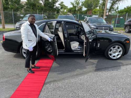 Image of limousine chauffeur on American Limousines website