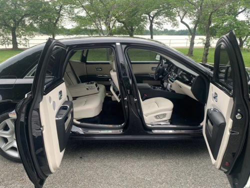 Image of car with doors open on American Limousines website